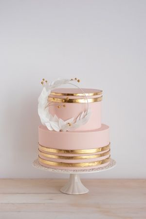 Modern Blush And Gold Wedding Cakes Gatea
