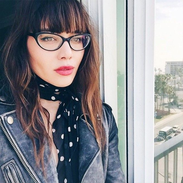 6 Eyeglasses That Are Fashion Girl–Approved