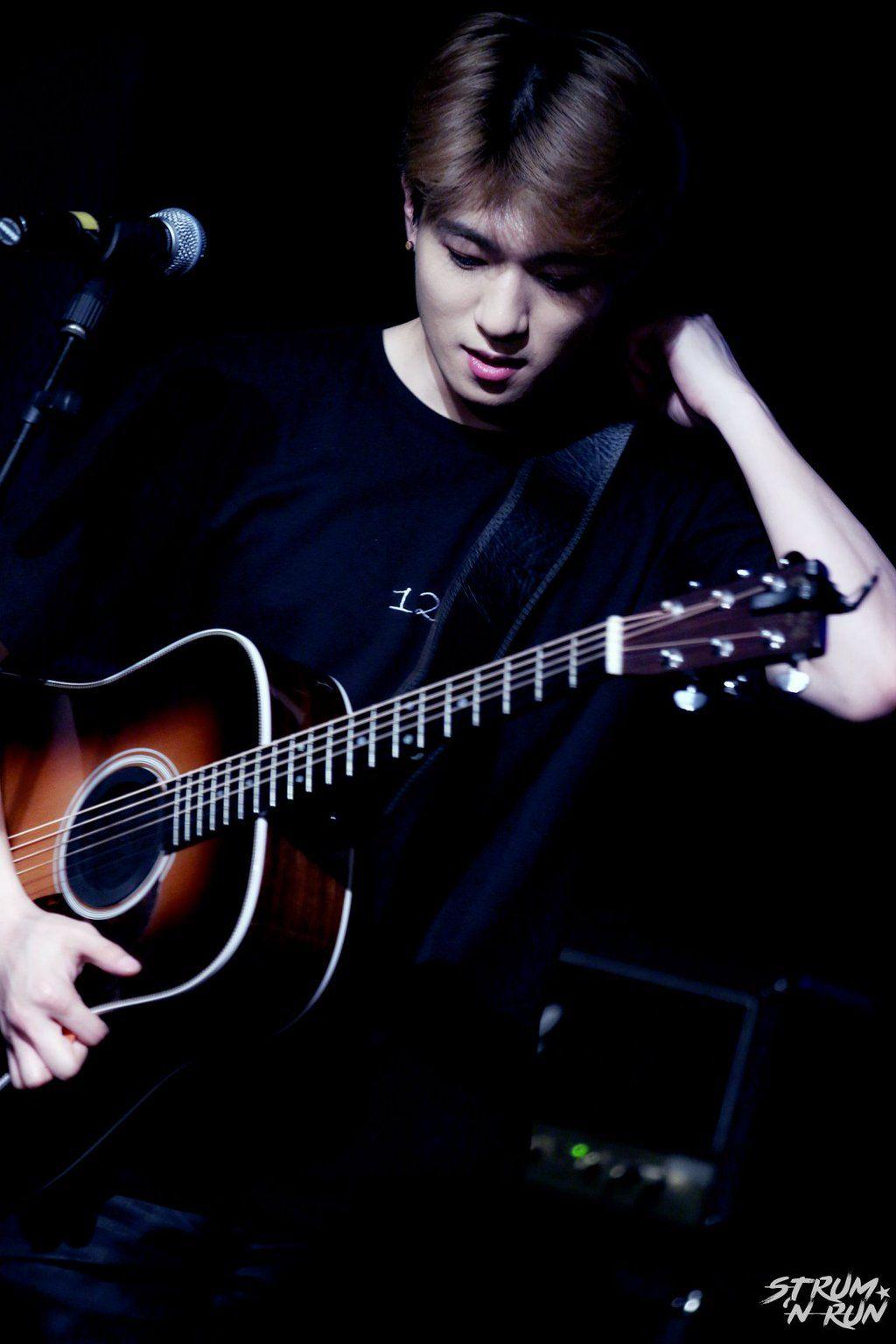 """Strum 'N Run on Twitter: """"보고싶고 또 보고싶어 마이 기타리스트  #성진 #Sungjin #데이식스 #DAY6 @day6official https://t.co/PBqRS0OBft"""""""