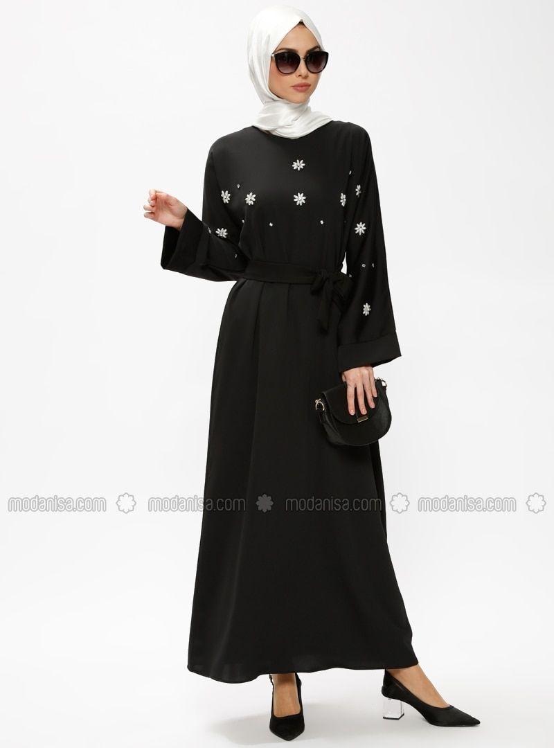 Photo of En Güzel Tesettür Elbise Modelleri Siyah  Yuvarlak yakalı  Astarsız kumaş  …