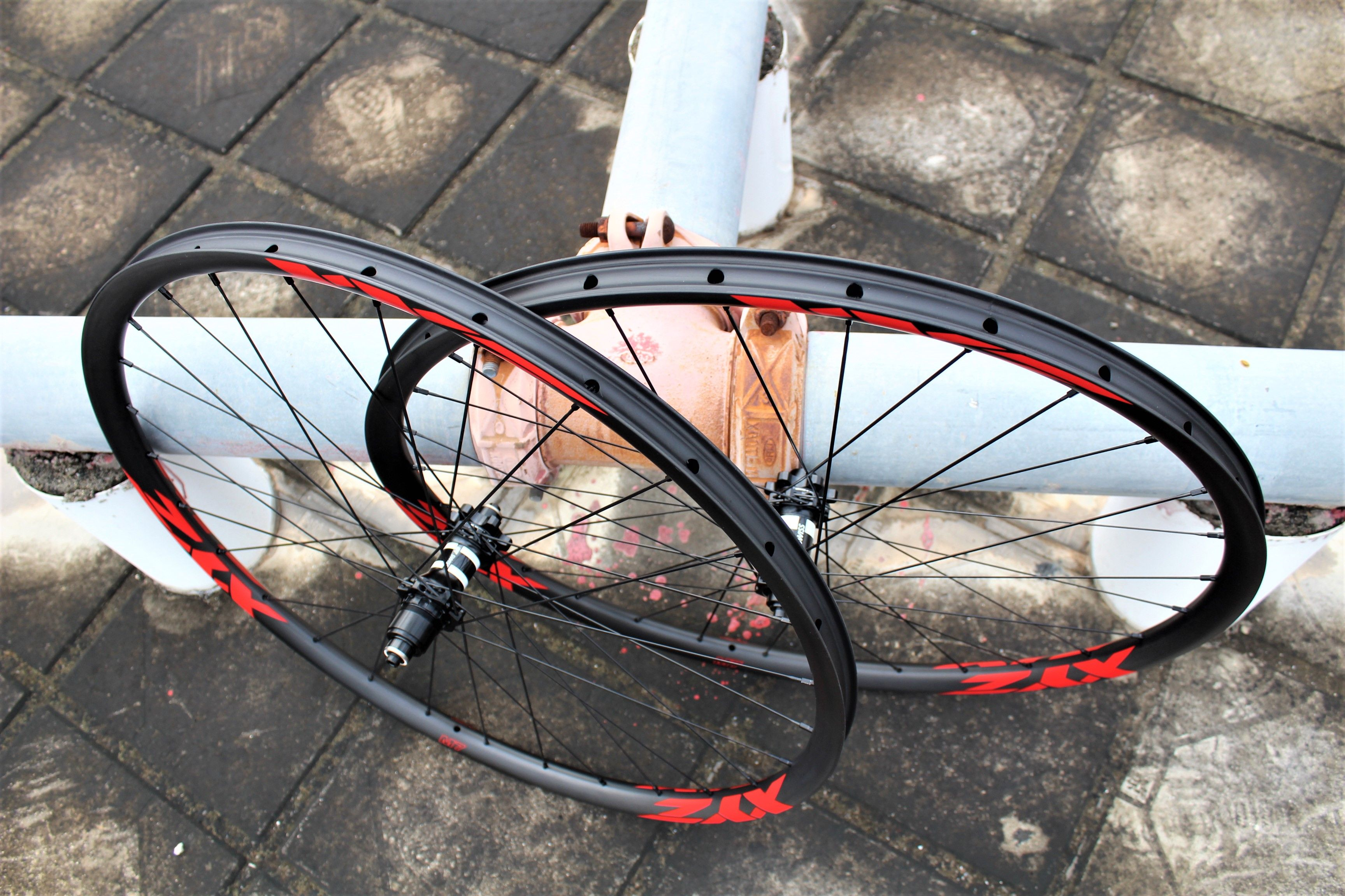 Specific Wheels For Mountain Bike With Xyz T800 Carbon Rims And