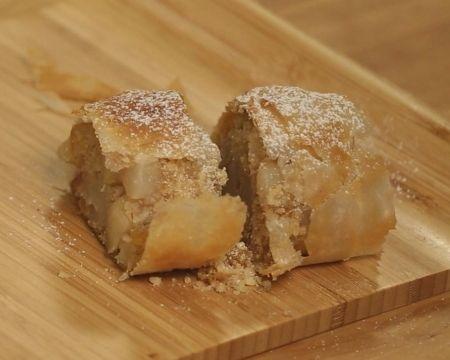 Щрудел с ябълки и круши - Бон Апети