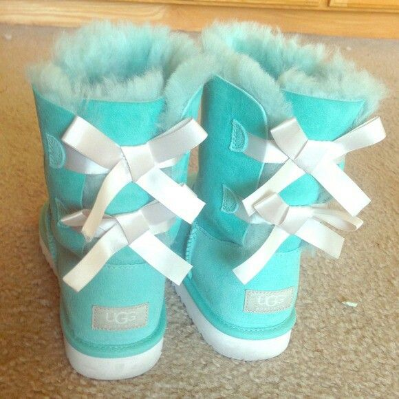 2067851df36 Tiffany Blue Uggs! | shoe's in 2019 | Blue uggs, Nike shoes outfits ...