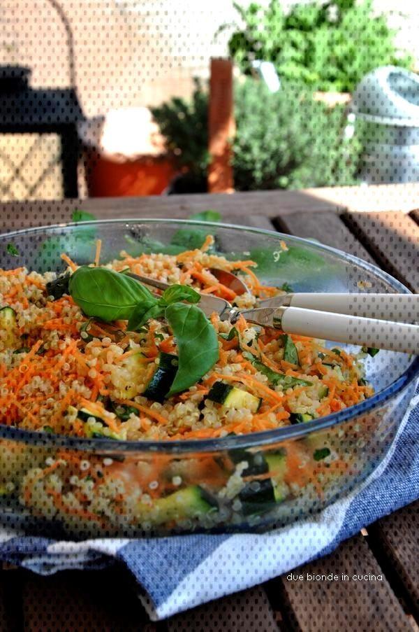 insalata di quinoa con carote e zucchine - - -  insalata di quinoa con carote e zucchine - - -