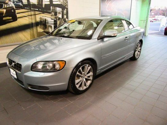Used 2010 Volvo For Sale In C70 T5 Convertible Convertible Learn More About This 2010 Volvo Moline Plus More New Cars And Use Volvo For Sale Volvo C70 Volvo