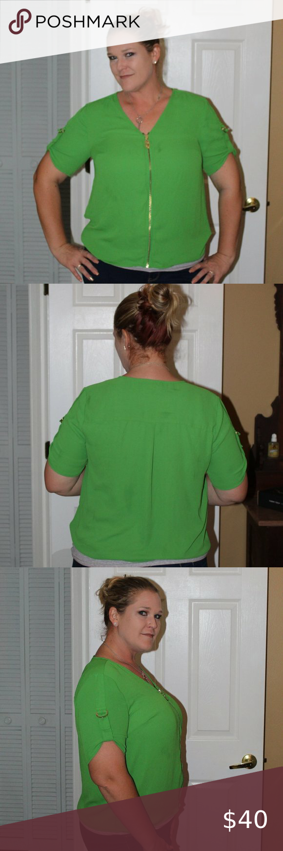 Stunner CK kelly green blouse I am so on the border or wanting to sell this top! I love it so incredibly much. It is so flattering and obviously it is amazingly made being Michael Kors. Love, love, love the kelly green, too. You will adore this shirt, I now you will. It is in perfect condition! Michael Kors Tops Blouses