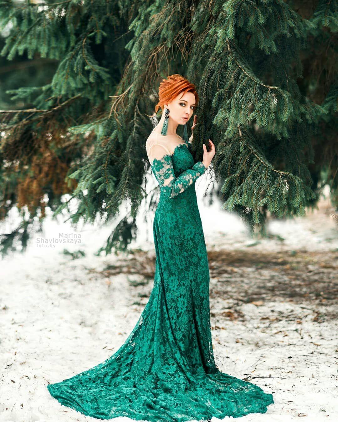 Картинки с рыжей девушкой в зеленом платье