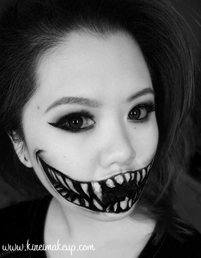 create this easy halloween monster teeth makeup using just face paint theres a step - Easy Face Painting Halloween