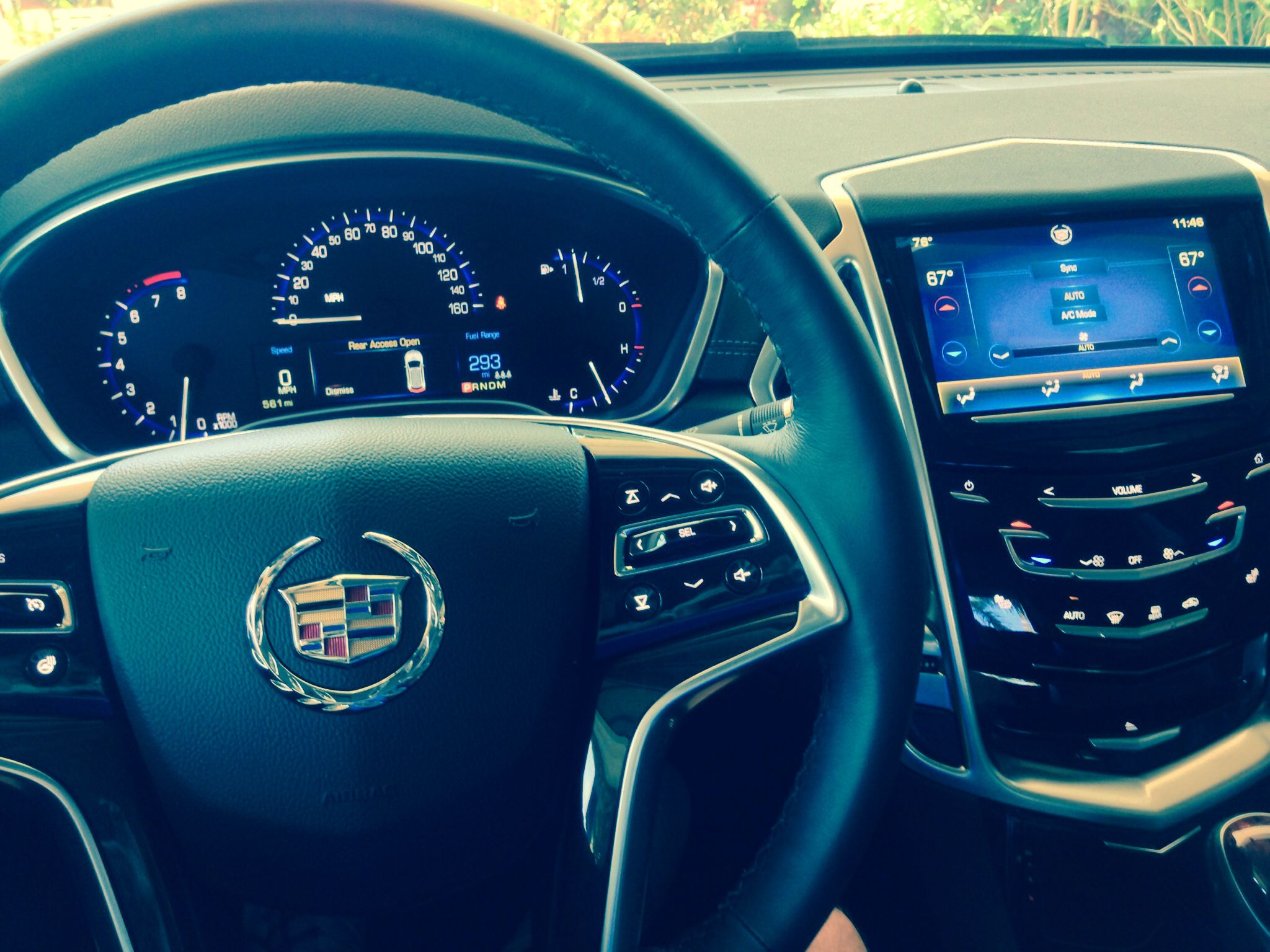 Impressed with this Caddy SRX and the Cadillac Cue technology #Cadillac #LincolnBeater
