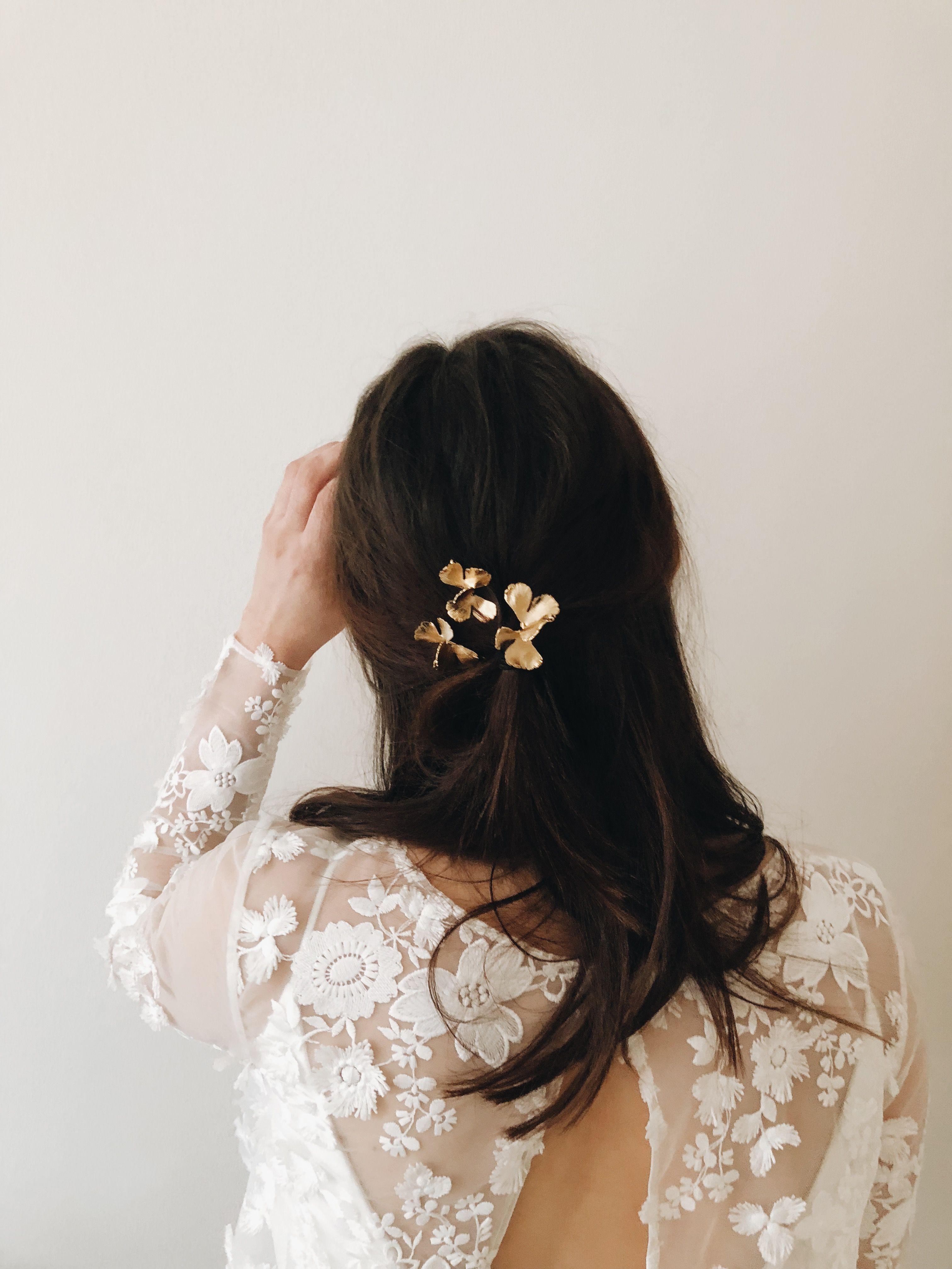 Un Look Minimaliste En Robe Ohio De Marie Laporte Marie Laporte Cheveux De Mariee Idee Coiffure Mariage