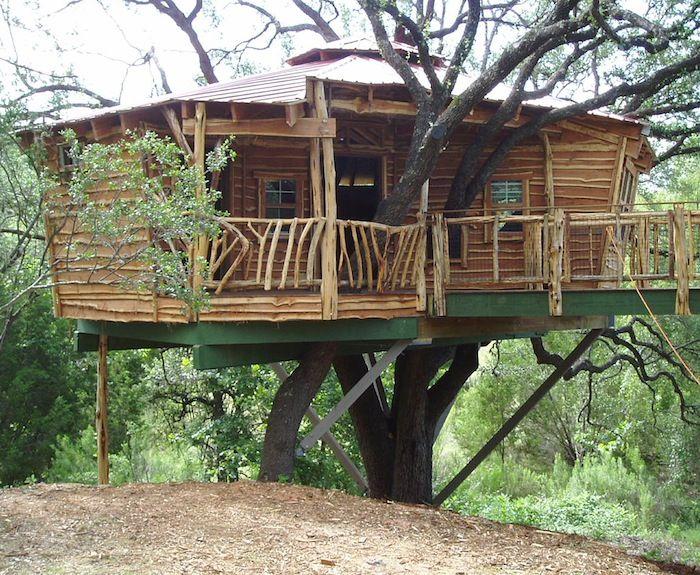 Tree house designs bespoke tree houses custom built and for Houses built in trees