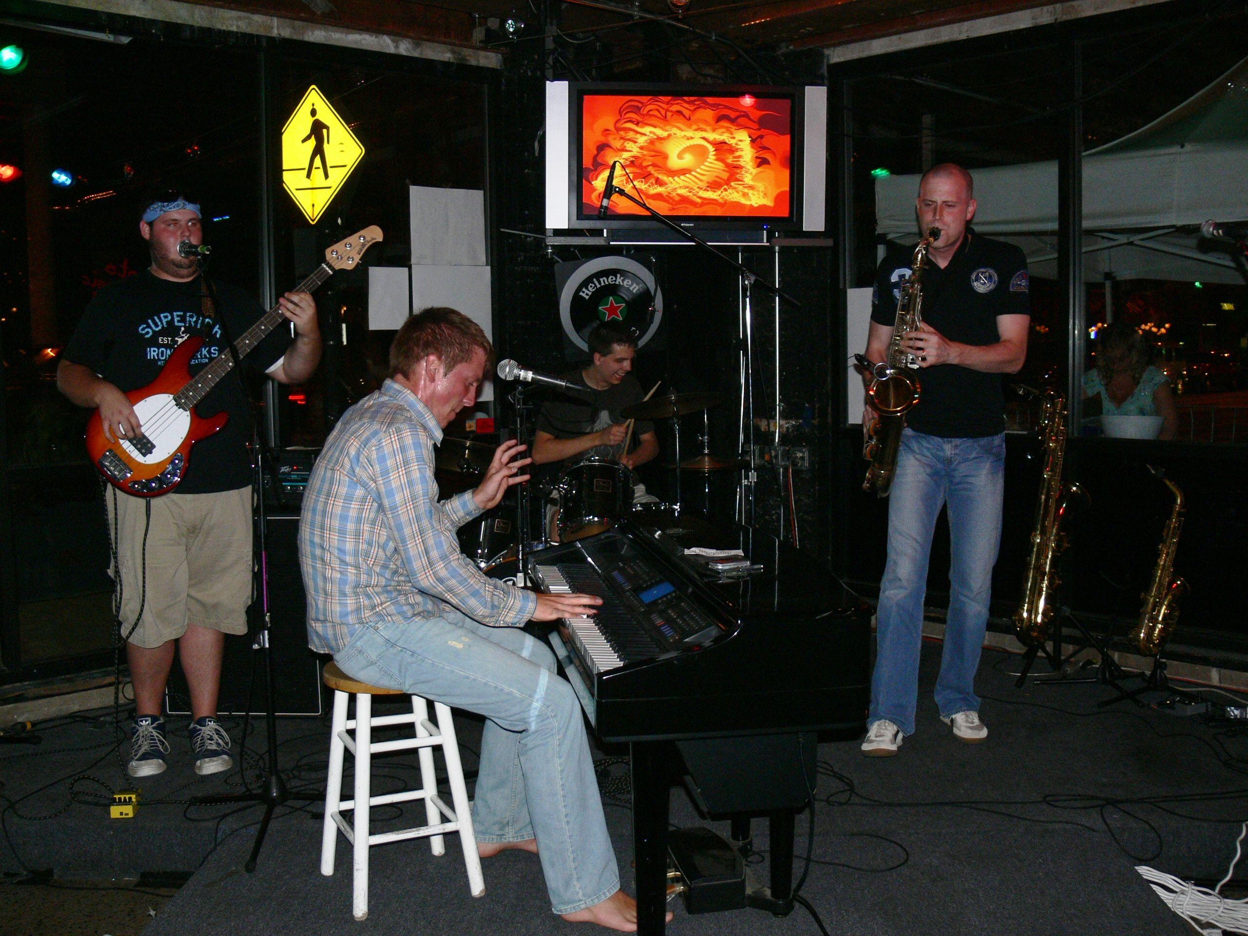 July 6th, 2007 - Gig 163 – Kryptonite – Rockford, IL – 10:30-11:30pm