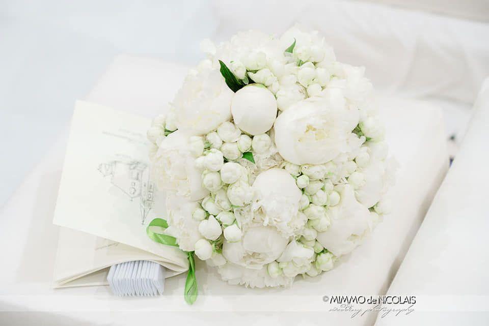 Bouquet Sposa Total White.Bouquet Sposa Total White Peonie E Poliandre Sposo Matrimonio