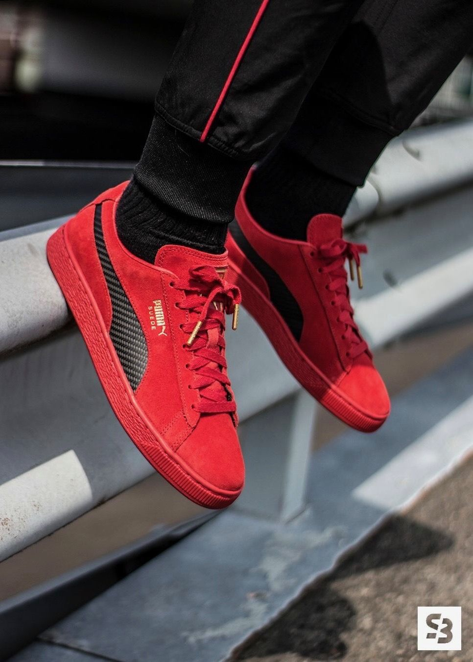 more photos a1e0b e9219 Ferrari x Puma Suede