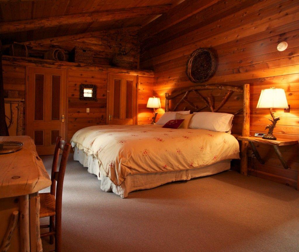Log Cabin Bedroom   Bing Images