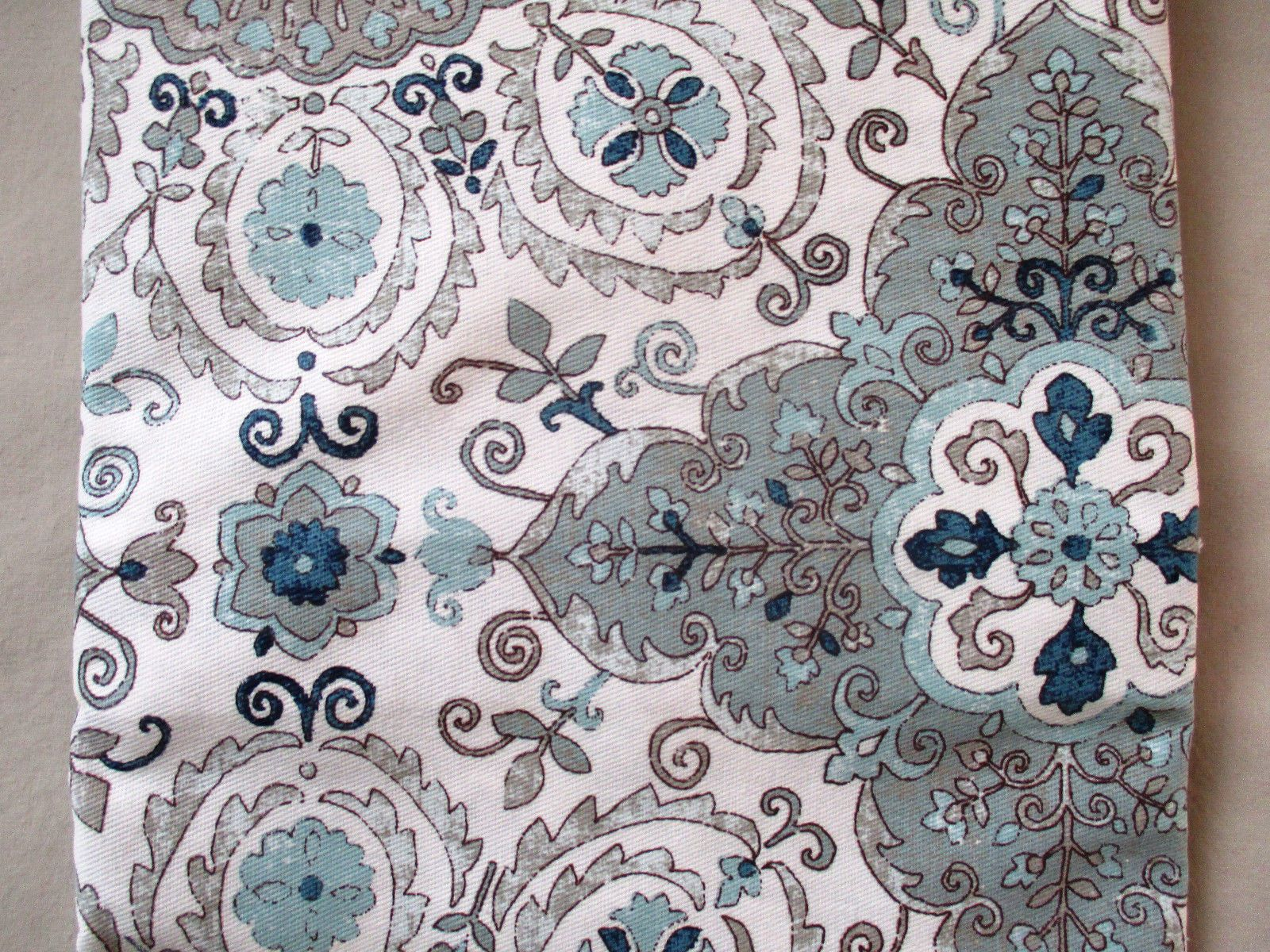New Caro Home Shower Curtain French Country Floral Medallion Greys Blues White