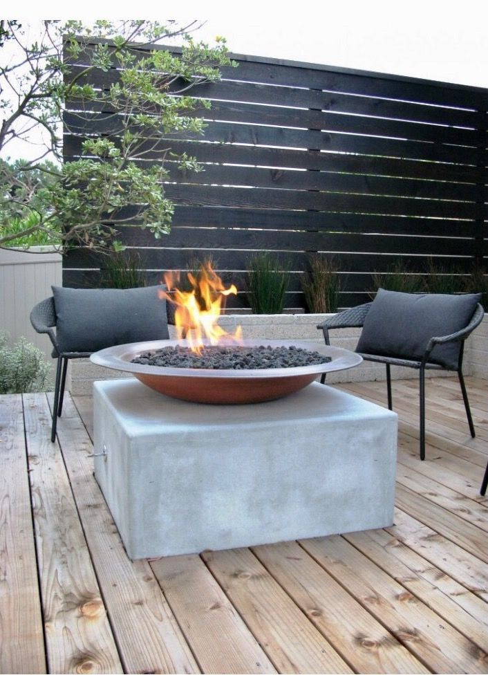 Black Stand Alone Privacy Wall Natural Wood Patio And Central Fire