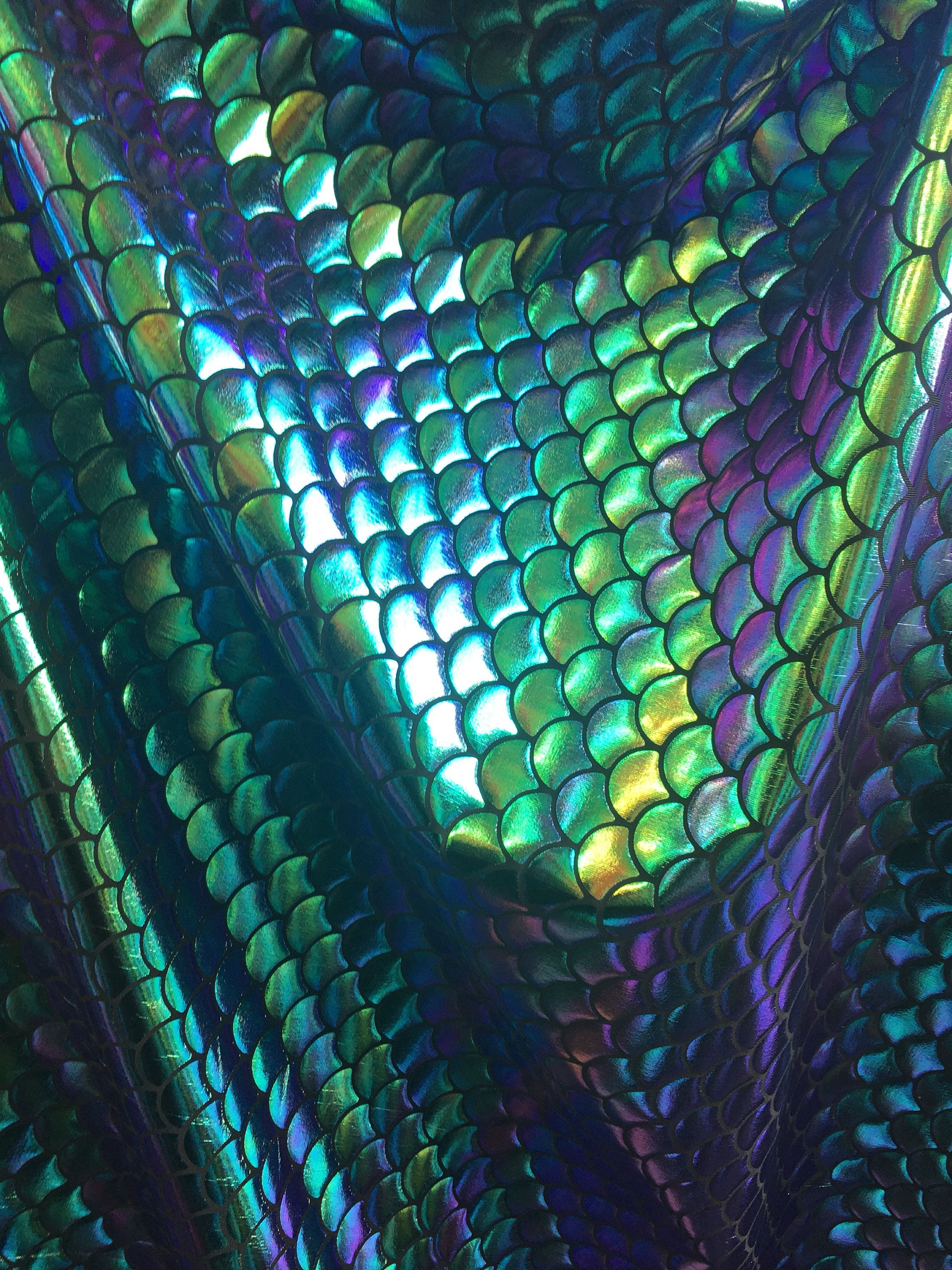 White Mermaid Scale Iridescent 4-way Stretch Spandex Fabric By The Yard 60/'/' Wide