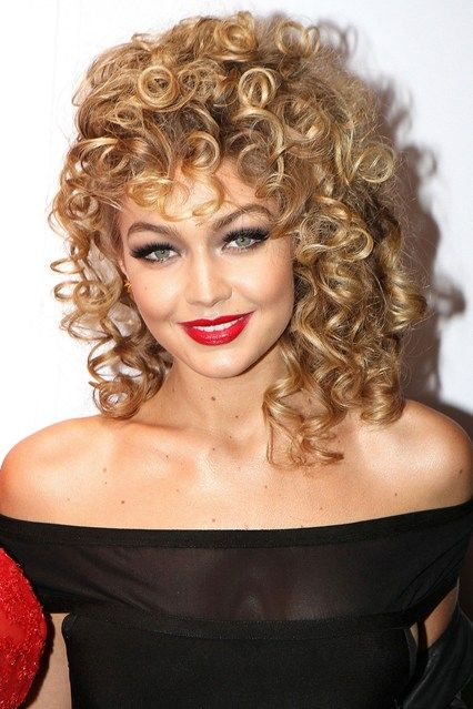 We Want Gigi Hadid's Hair & Makeup!