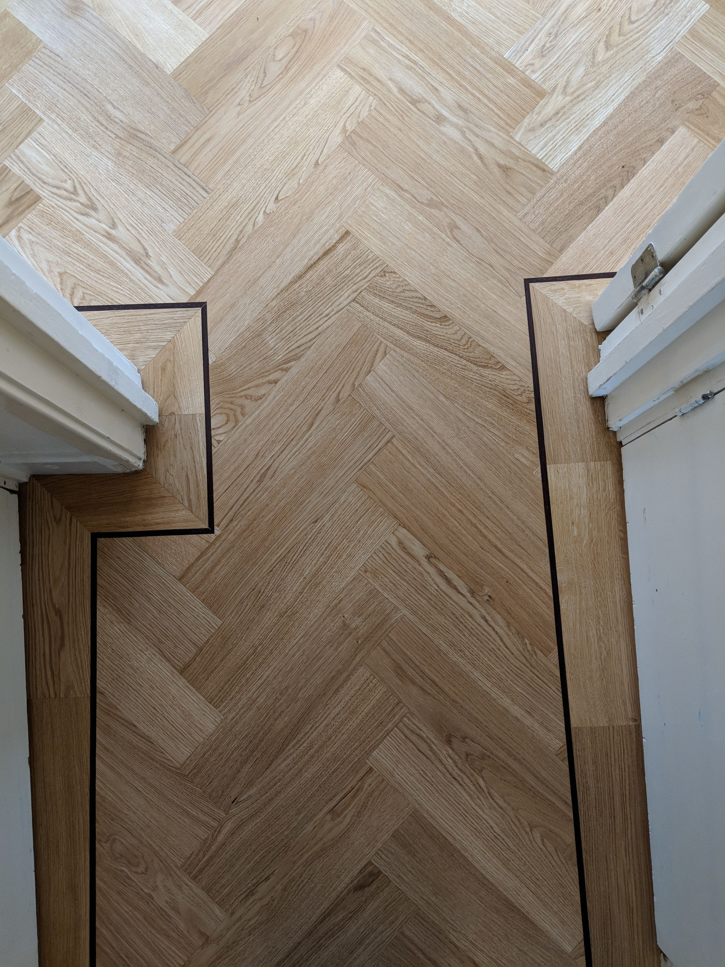 Wenge Oak Solid Wood Flooring oak parquet wood flooring with a single border and a single