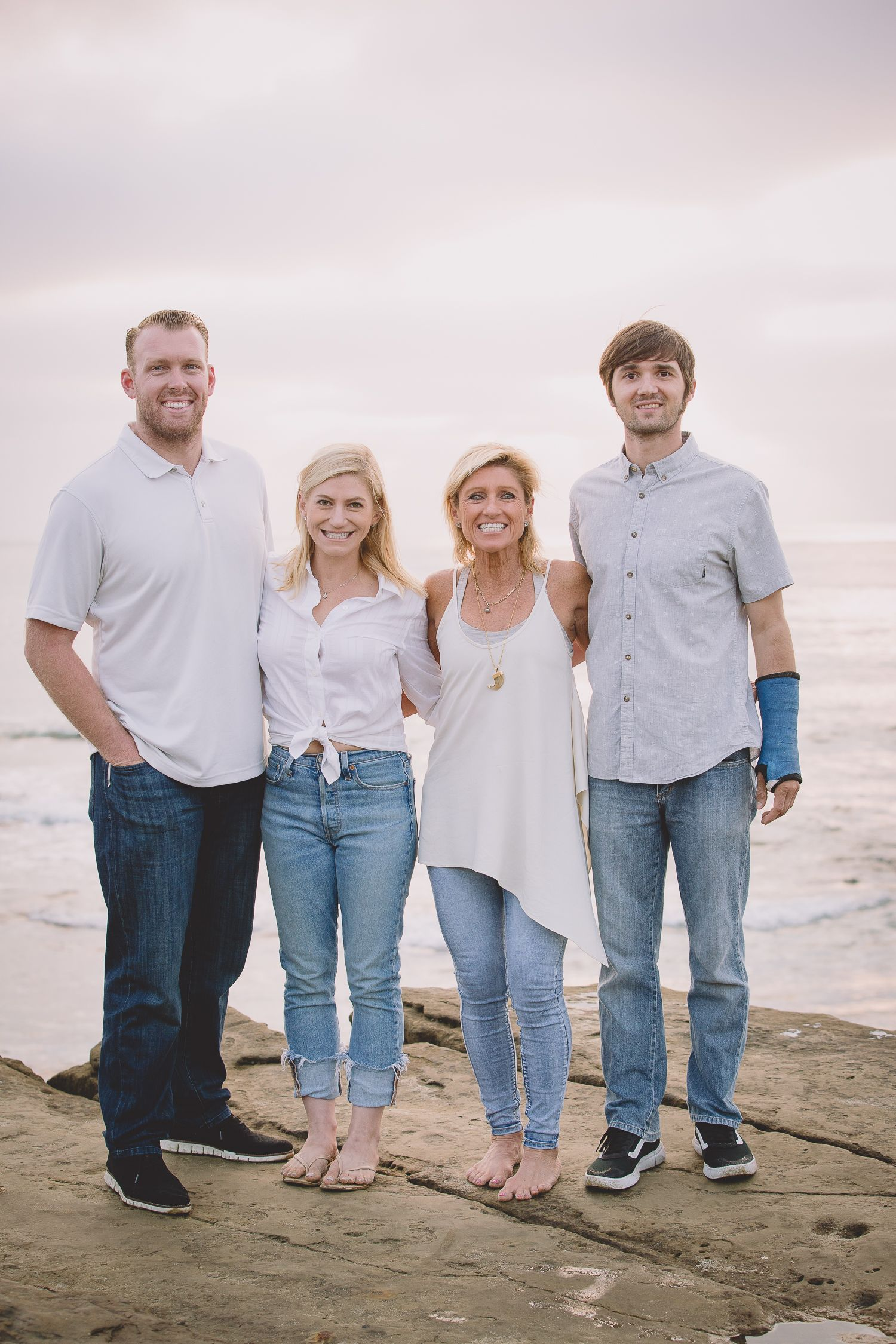 Fun beach family portrait session! #familyphotos #familyportraits #beachfamilyphotos #beach #sandiegobeach #sandiegobeachfamilyphotographer #familyphotographer #familyphotoideas #familyfun #beachfamilyphotoideas #beachlife #familygoals #melissamontoyaphotography