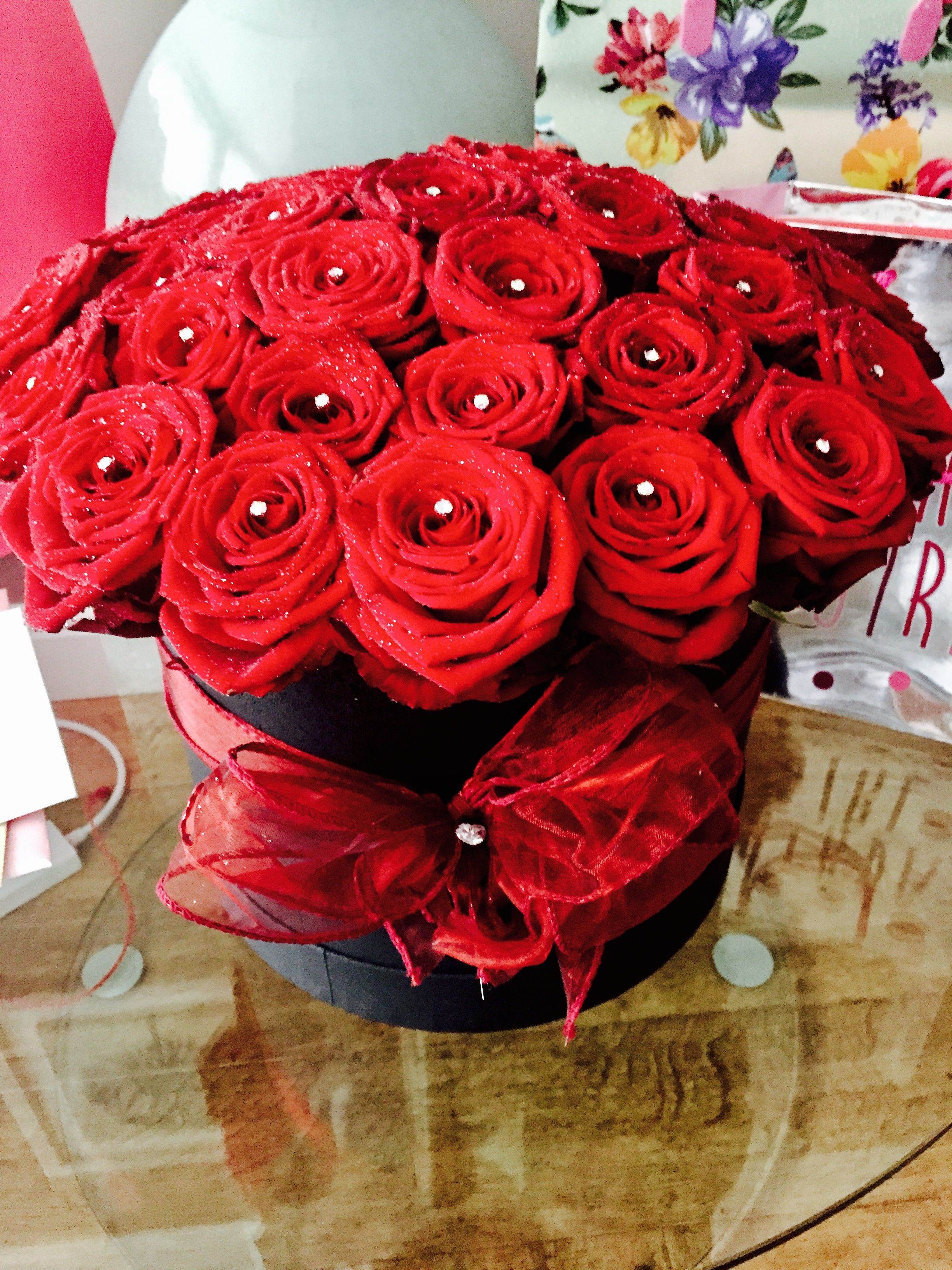 21st Birthday Flowers Red Roses In A Hat Box So Pretty From