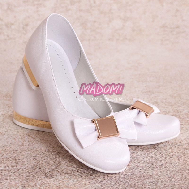 Baleriny Dziewczece Do Komunii Ze Zlotymi Dodatkami Om801 Madomi Shoes Character Shoes Kitten Heels