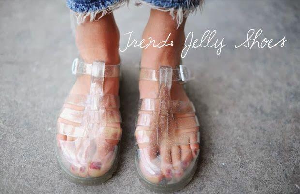 Moda  El regreso de las Sandalias Plásticas o Jelly Shoes  1efec034d90d