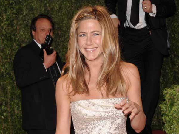 Jennifer Aniston con peinado para invitada de boda Pelo