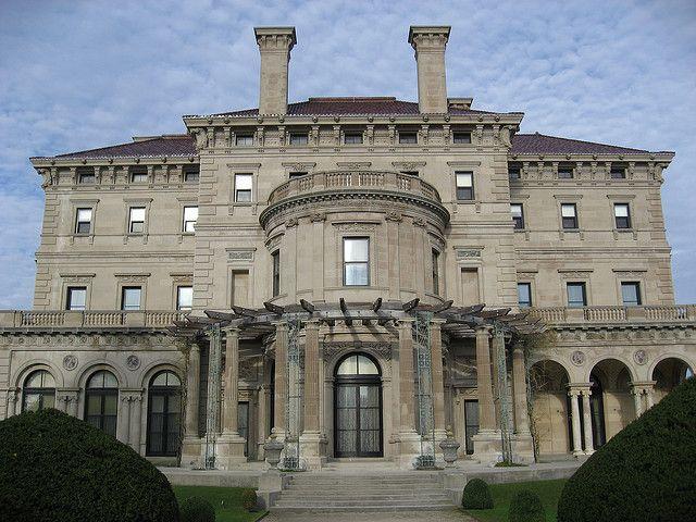 The Breakers Vanderbilt Mansion At Newport Ri Vanderbilt Mansions Mansions American Mansions