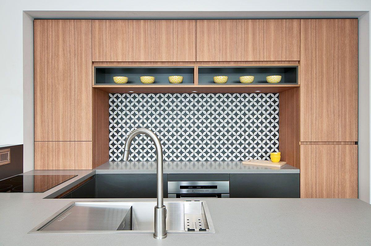 Trends design sleek concrete kitchen caesarstone sleek for Concrete kitchen cabinets designs