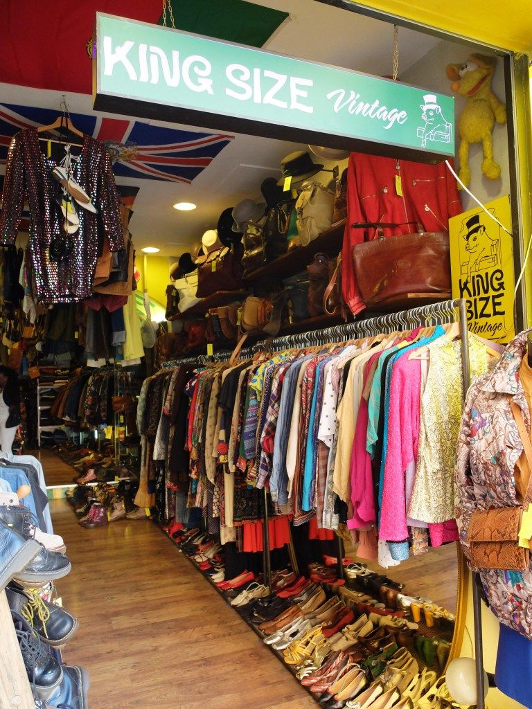 15 Hip Addresses In Rome For Fabulous Vintage Finds The Best Vintage Stores In Rome Vintage Store Rome Shopping Vintage Clothes Shop