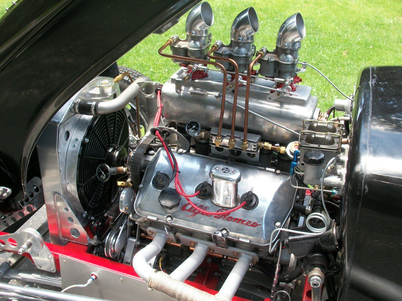 Zipper Lakes Modified Roadster Engine An All Aluminum Alfa Romeo S O H C V6 Hemi With 3 Holley 94 On A Fabricated Intake Manifold