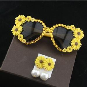 7b3246a26c2 Fashion New Arrive Accessories Chrysanthemum Temperament Pearl Jewelry  Flower Drop Earrings For Women Flower Sunglasses Set