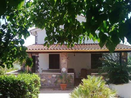 Fiorucci - Fint hus til 13.235/ugen - Affordable holiday House in Ariccia, Italy - sleeps 8 people, 3 bedrooms, Swimming pool (private)