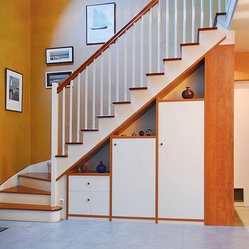 Placard sous escalier sur mesure paris nantes vannes lorient meuble sous escalier projets - Meuble tv sous escalier ...