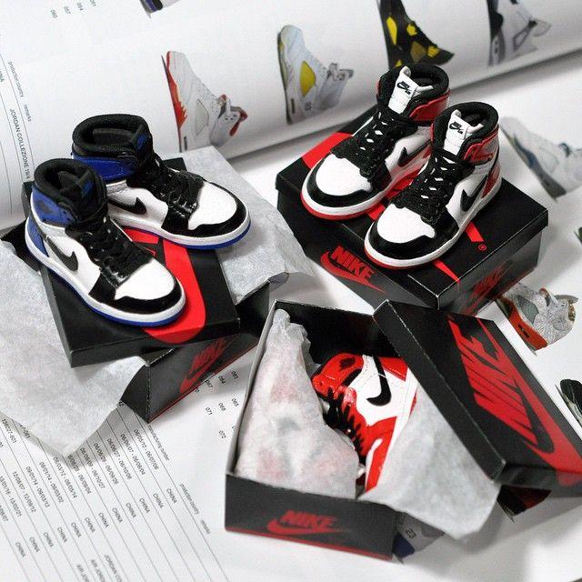 Complete Packaging_ _Nike 'Air Jordan 1' / 1:6 scale replica_ ...