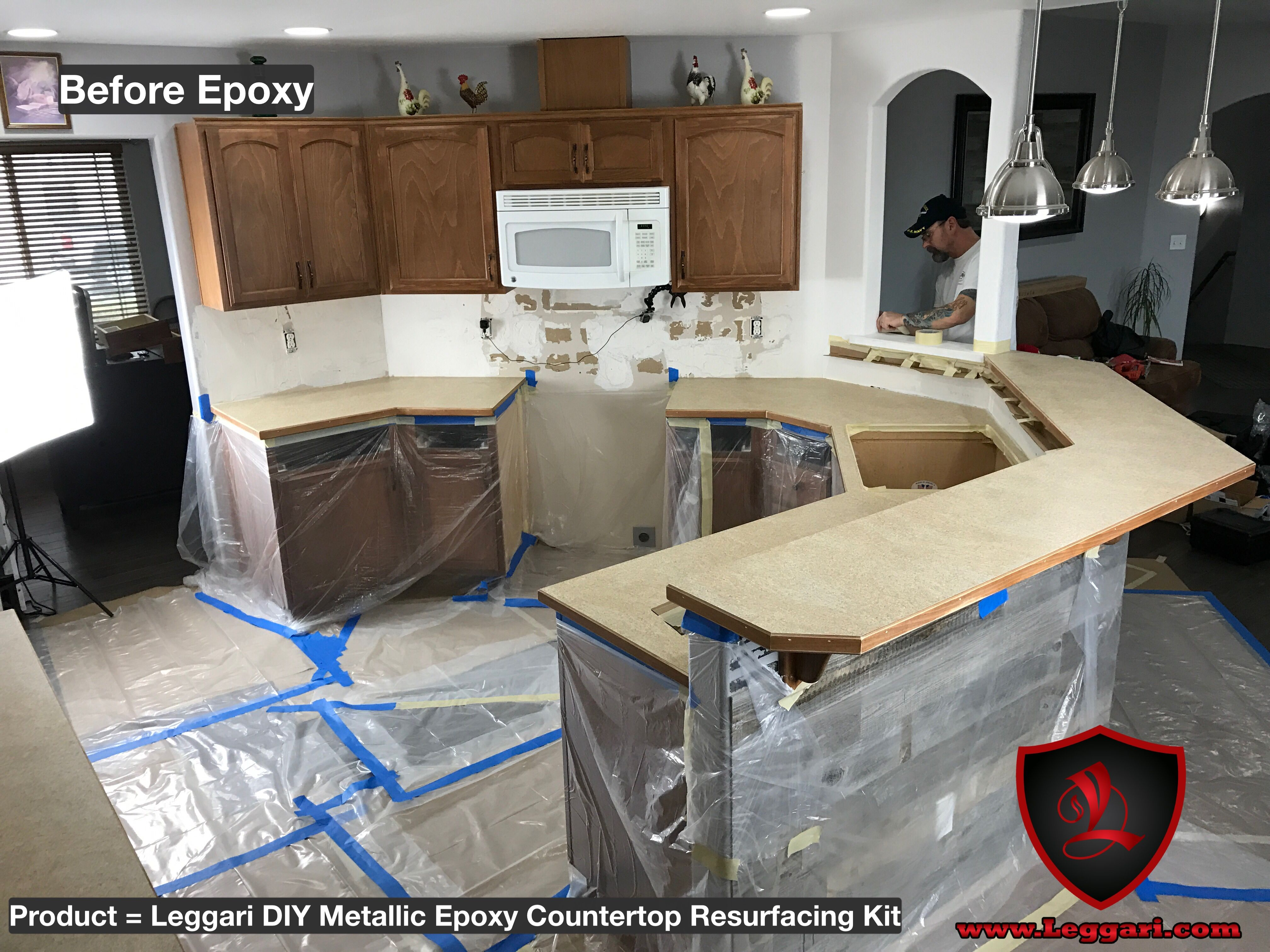 Before Pic Of Our Diy Metallic Epoxy Countertop Resurfacing Kit Was Installed Right Over There Existi Epoxy Countertop Kit Kitchen Remodel Countertop Kit