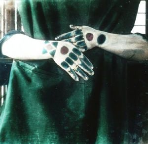琉球女性の手の刺青