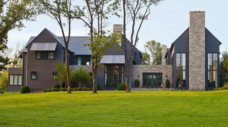 Superbe maison contemporaine en bois et en pierres rénovée aux USA ...
