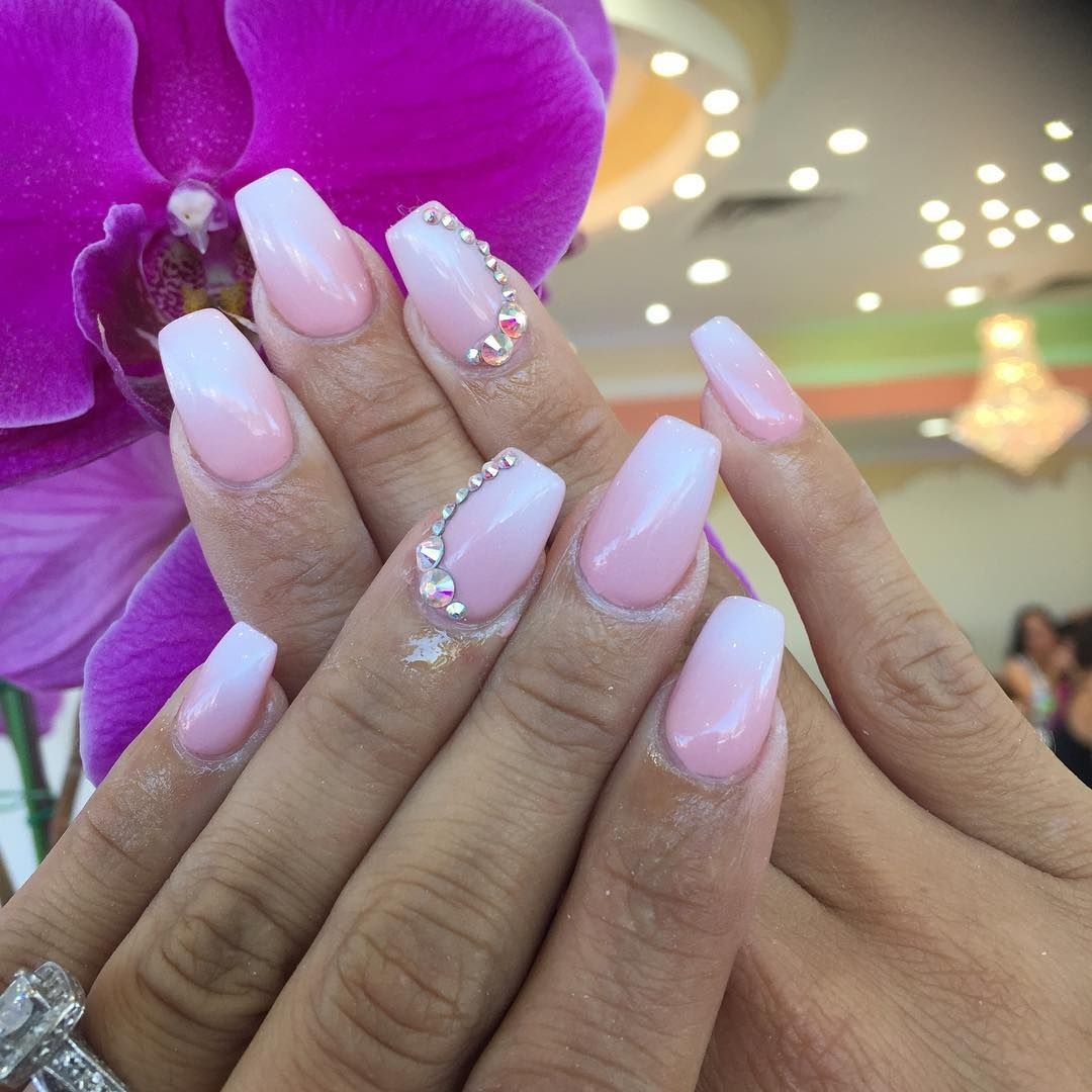 See this Instagram photo by @toplinenails • 282 likes
