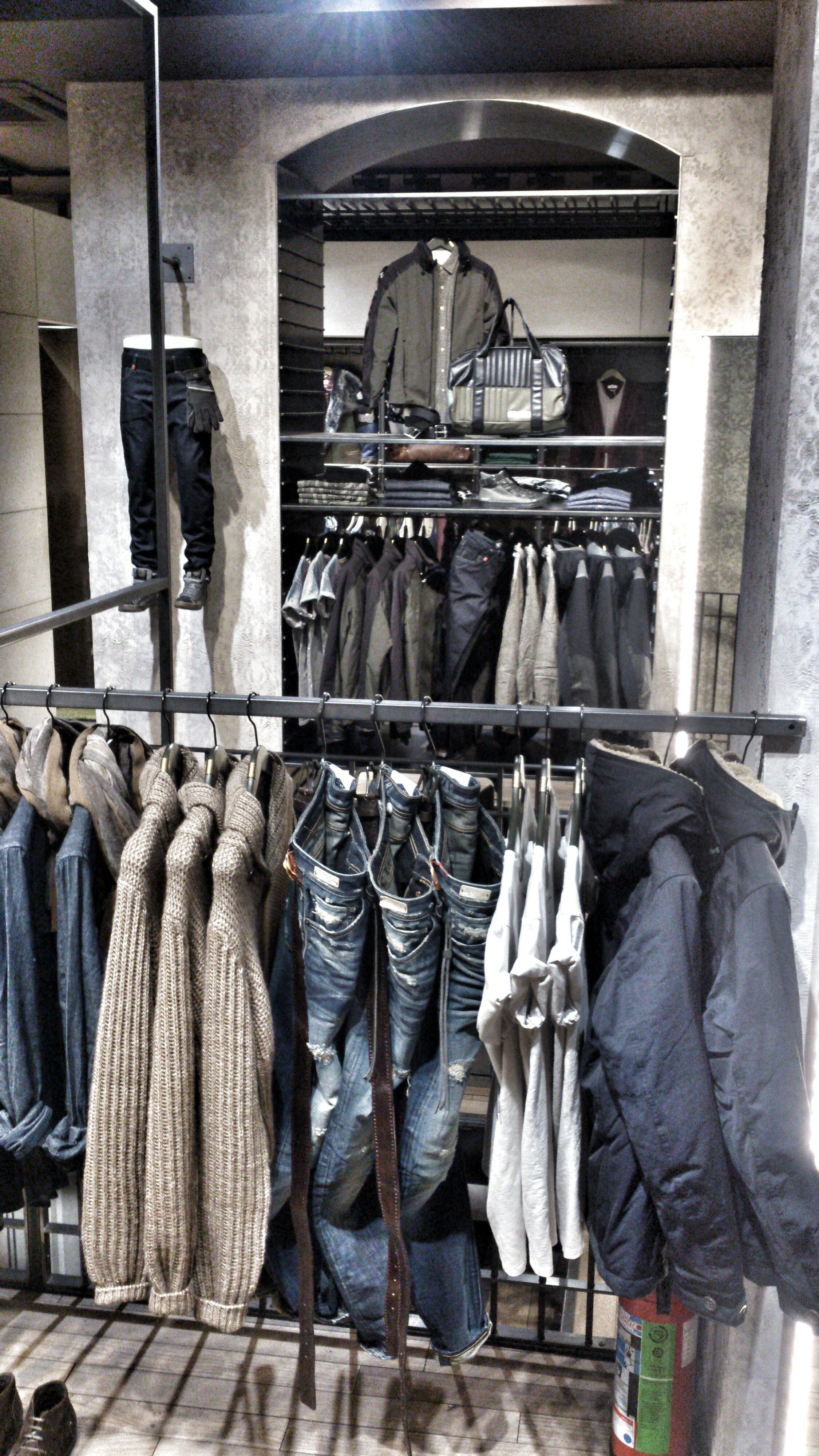 MM   VM and the transformation of products to emotions.   #instore #visualmerchandising #vm #mensstyle #replay #jeans #store #düsseldorf #outfits #vm #markomargeta #mmlvm #fashion #detail #indigo #denim #thesilentdialogue Marko Margeta   Visual Merchandising die