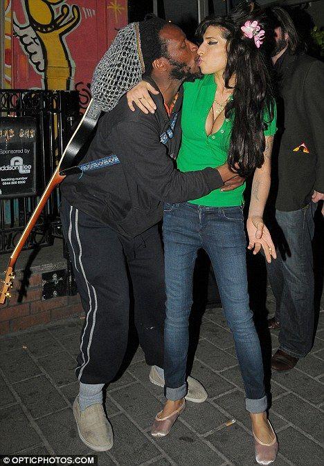 Pin by Alesija Hall on Amy Winehouse  8a5d9b5105