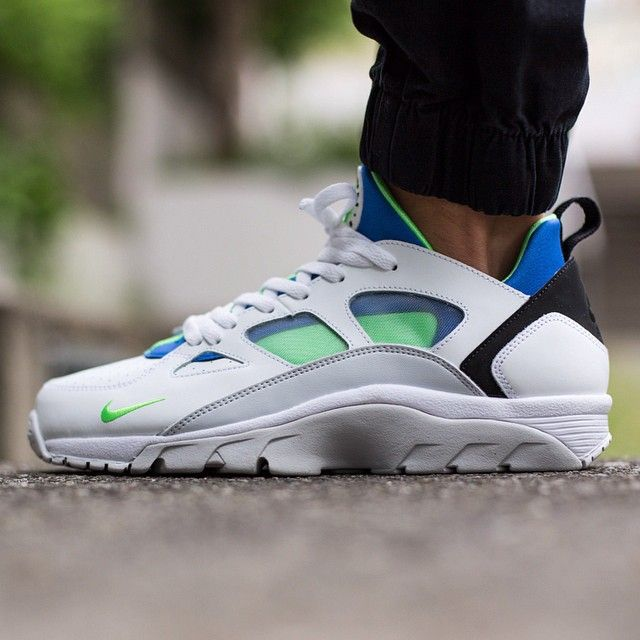 buy online bf2fd 0ad44 Nike Air Trainer Huarache Low  White Scream Green-Royal Blue  available now   titoloshop by titoloshop
