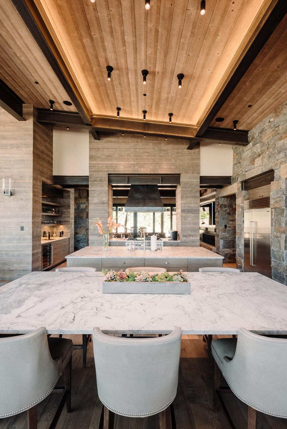 Mountain Peek | Modern Rustic Home in Montana | Wowow Home Magazine