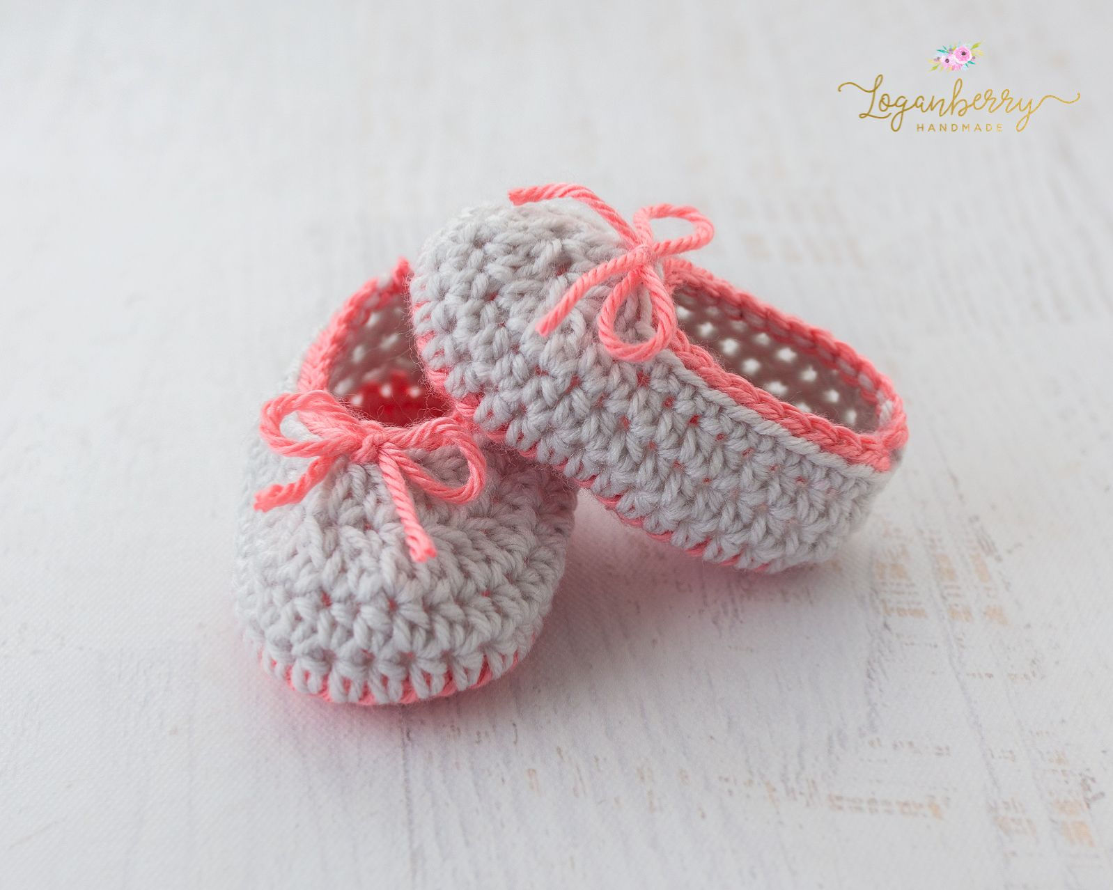 Hello friends I m back today with another baby shoes pattern for