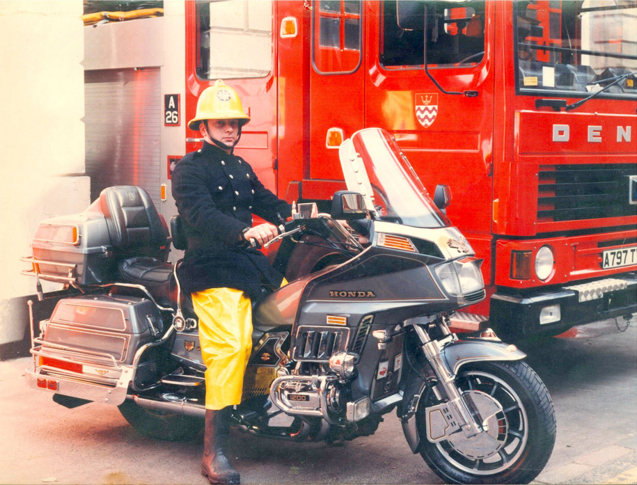 London Fire Brigade Now that's how you fight fires! #gl1200 #london #fire #brigade