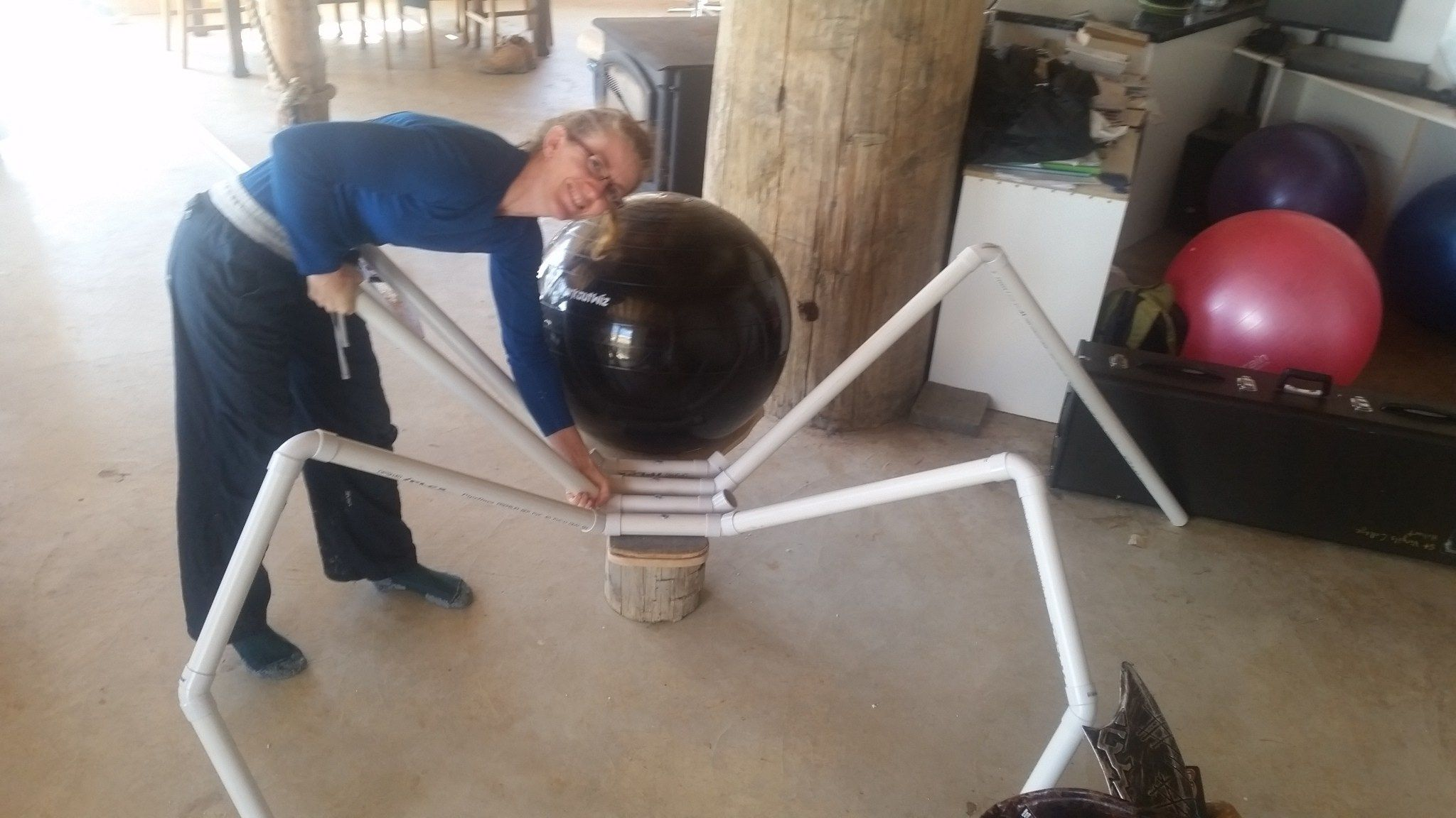 Halloween Projector 2020 Spider Building a Giant Spider   Halloween spider decorations, Creepy