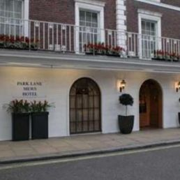 Park Lane Mews Hotel London The Is Located In Mayfair District Near Green Station And Less Than A Mile Away