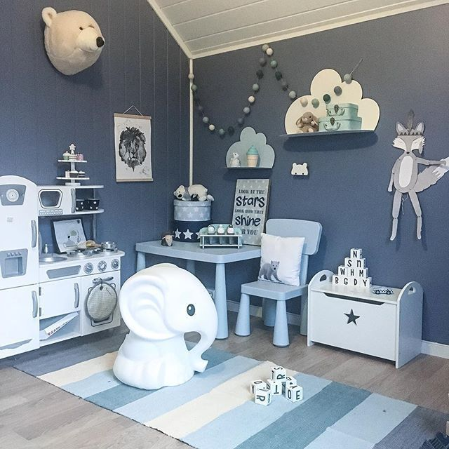 Love this blue children's bedroom, does not feel it's a